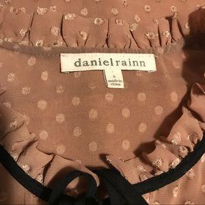 Daniel Rainn Tops - 🔥Sleeveless Ruffled Daniel Rainn Tank